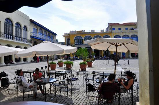 Quán cà phê ở Havana (Cuba)