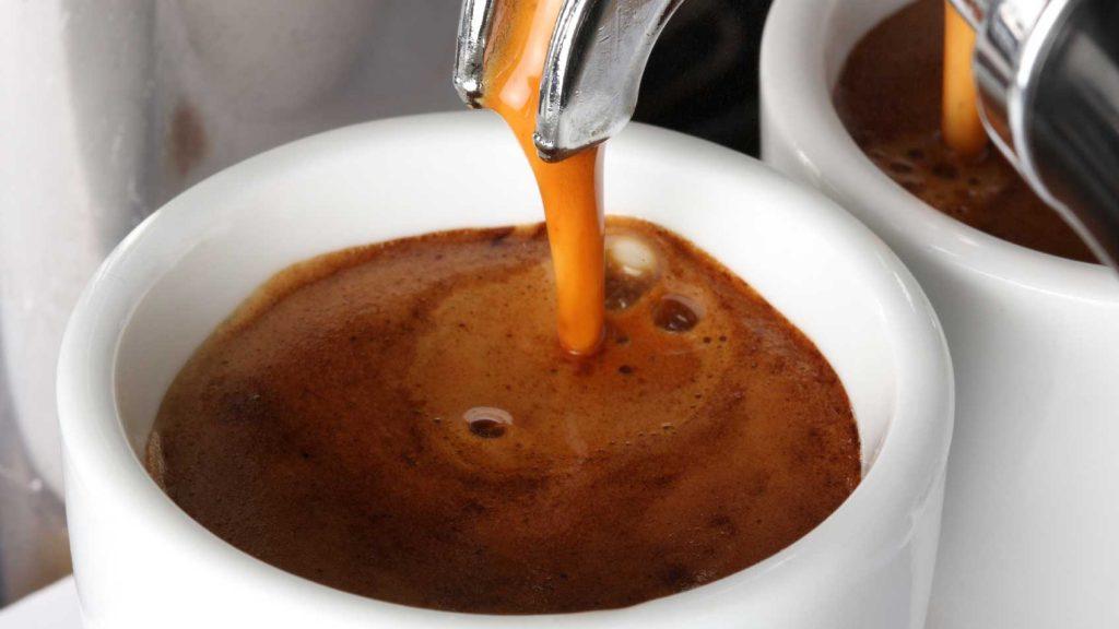 ap-suat-may-pha-ca-phe-espresso