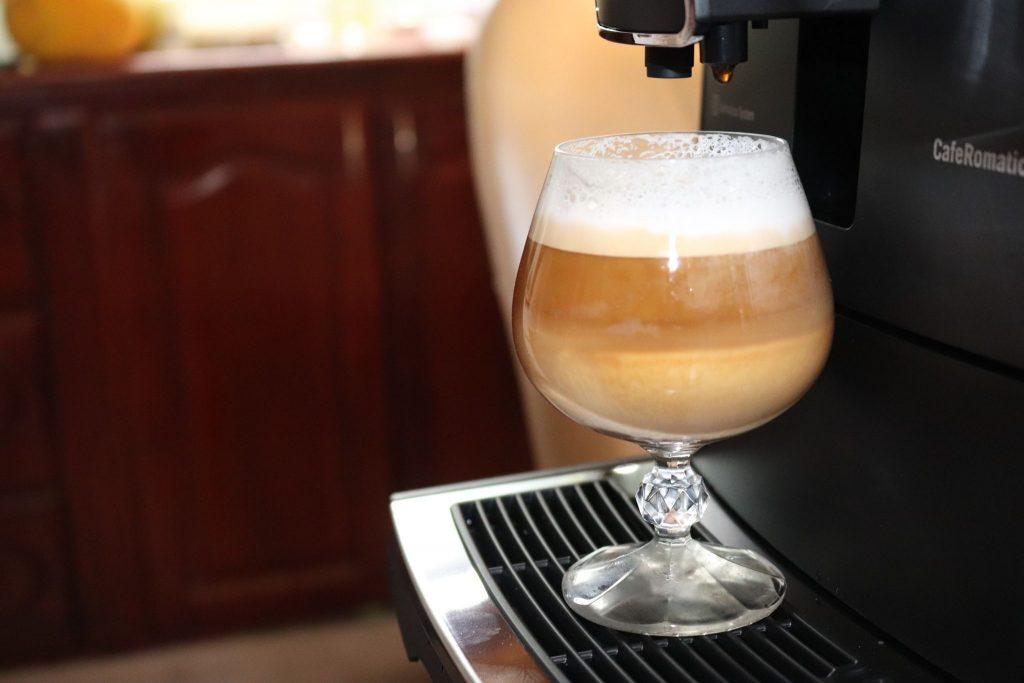 bạn có thể tự mình thực hiện được những thức uống cà phê với độ khó cực cao cùng máy pha cà phê tự động Nivona 520
